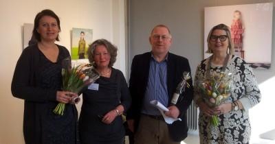 16 - koning kieskamp laura teunis bij opening voorjaarsexpositie